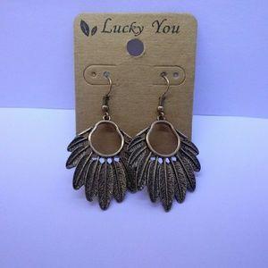 (N.W.T.) Lucky You Dangle Earrings